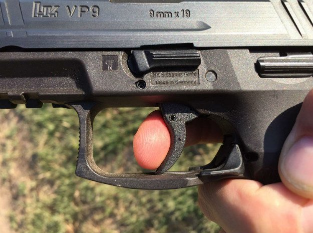 Keeping your grip centered, place your trigger finger on the trigger | How To Properly Fit A Handgun To Your Hand